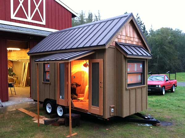 diy tiny house on wheels consider these things tiny houses. Black Bedroom Furniture Sets. Home Design Ideas