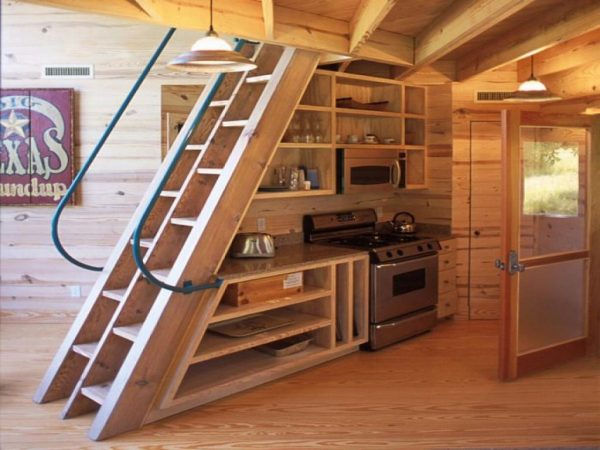 Creative Ideas for Building Tiny House Stairs