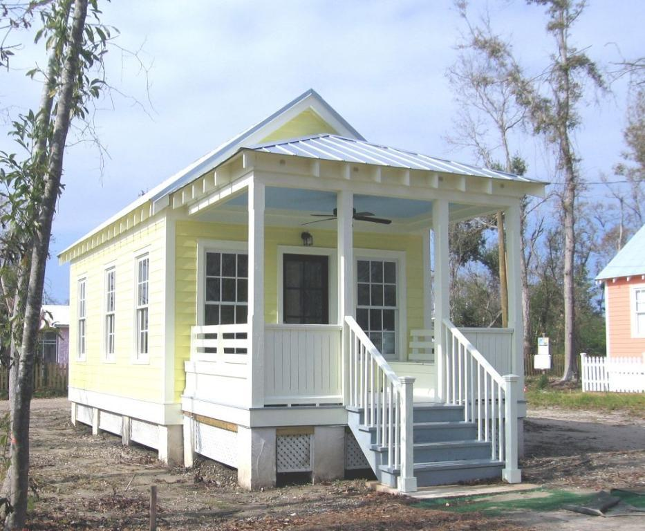Tiny Houses — Complete Small House Pictures, Plans & Guide