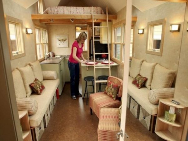 How to Maximize Space of Tiny House Interior Design