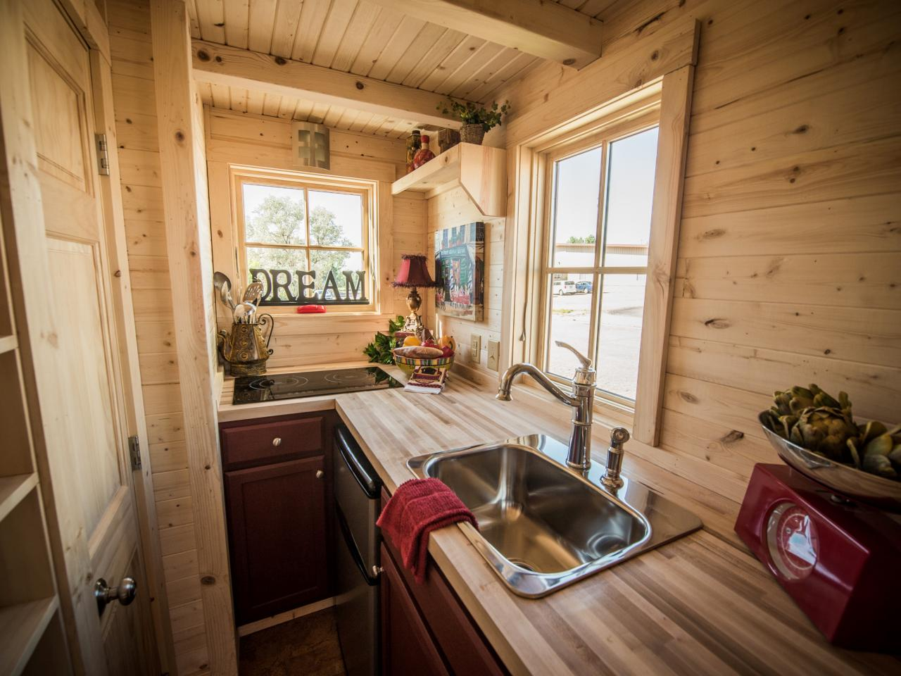 How To Maximize Tiny House Kitchen Ideas
