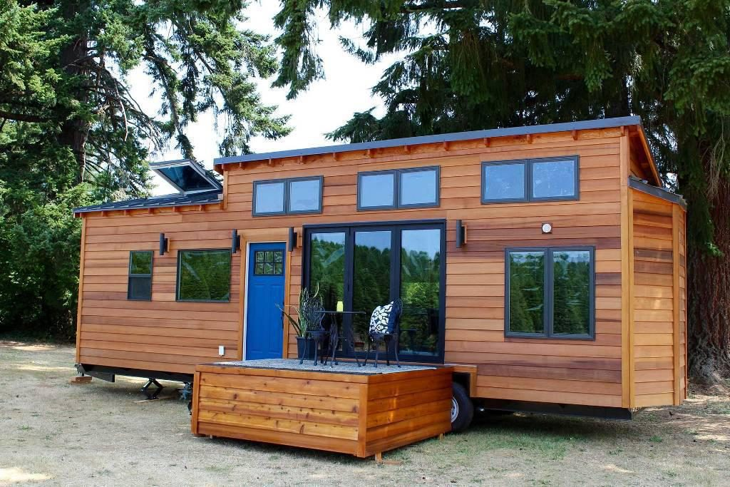 tiny houses for sale nowadays buying tips and reviews. Black Bedroom Furniture Sets. Home Design Ideas