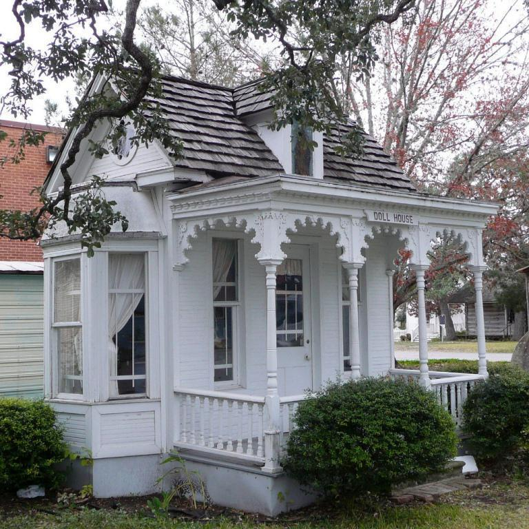 The alluring style beauty of victorian tiny house tiny for Stationary tiny houses for sale